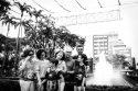 Fotografia de família em Belo Horizonte, ensaio fotográfico de Natal na Praça da Liberdade